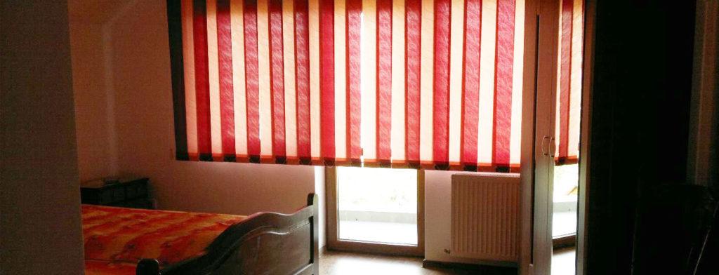 casa-mirela-camera-cu-balcon